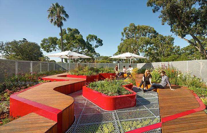 "Eco-infrastrutture: ""Living Roofs"""