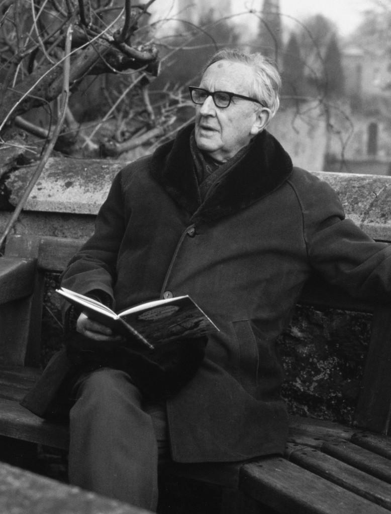 Tolkien, reading