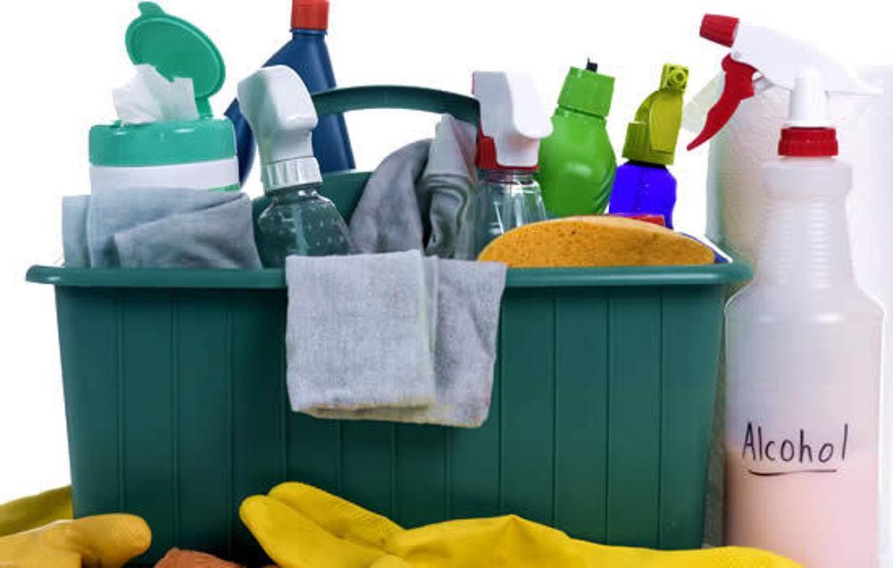 Guida ai detergenti da supermercato ecologici e fai-da-te per l'igiene e la salvaguardia della casa